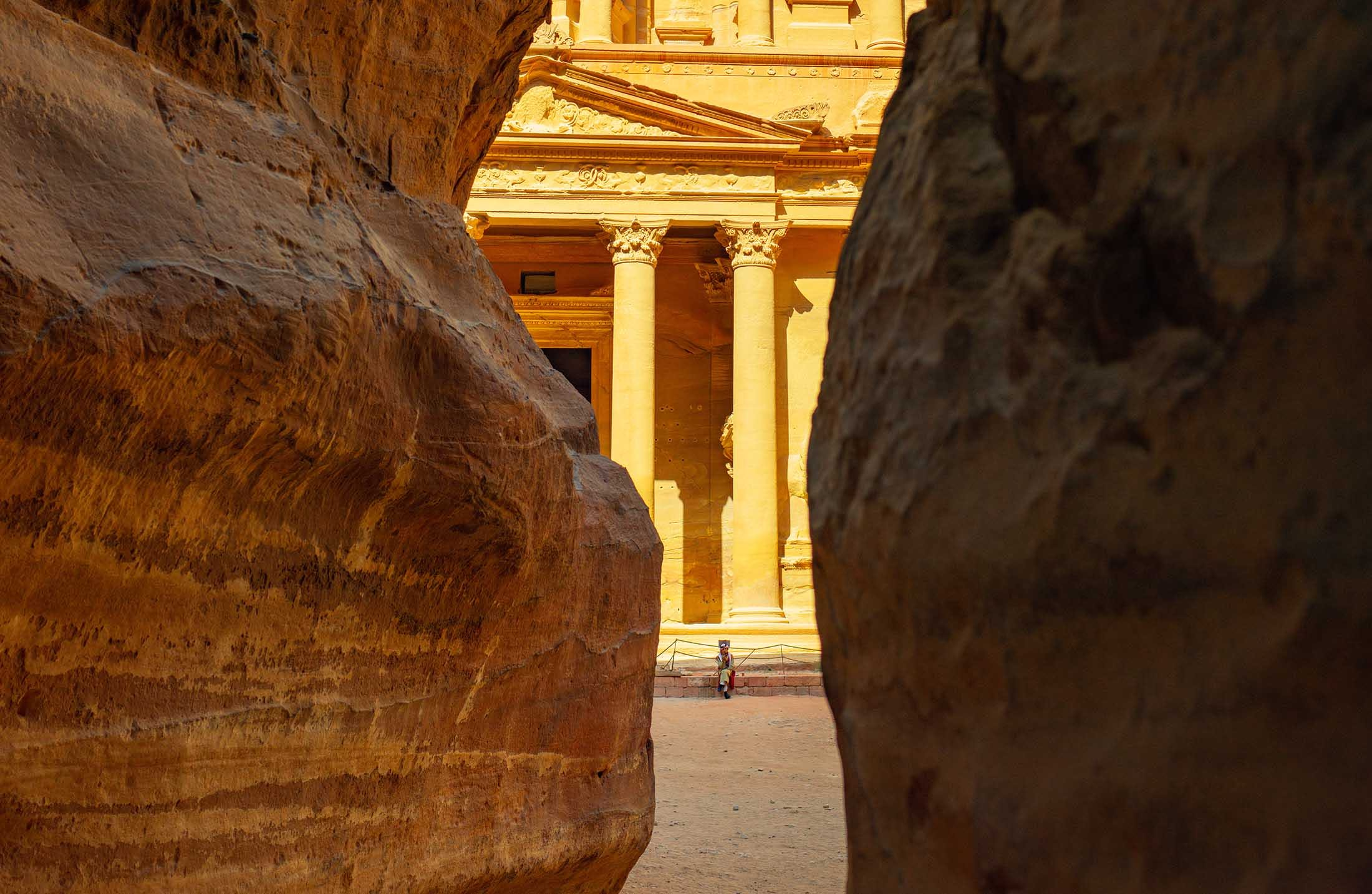 Travel as meditation - Treasury, Petra in Jordan