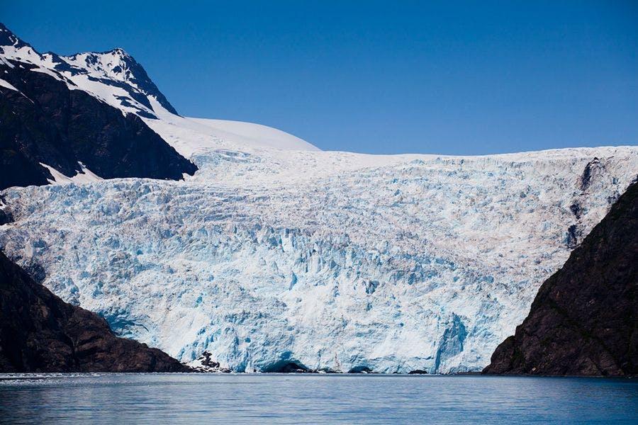 silversea-alaska-cruise-holgate-glacier