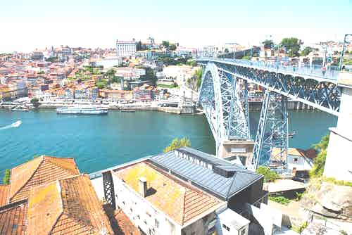 Port wine tasting in Porto