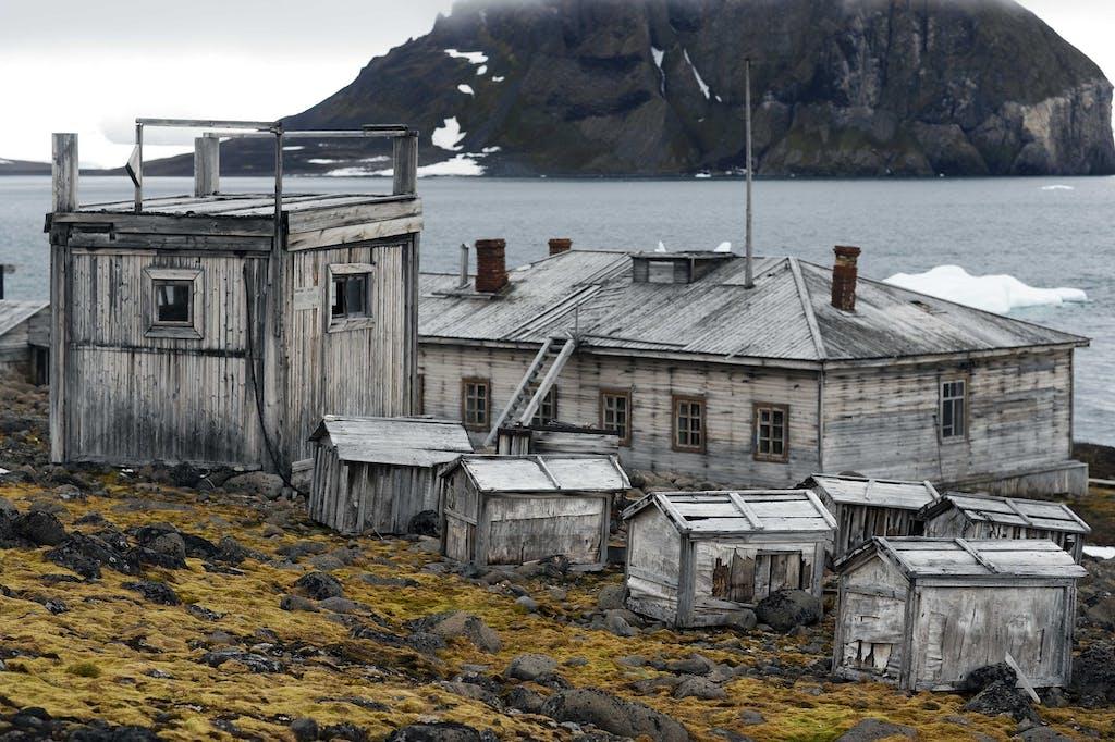 history of hooker island