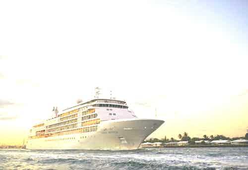 silversea-small-luxury-cruise-ship-silver-whisper-31