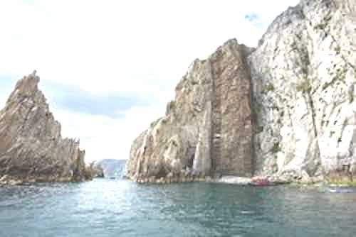 silversea-far-east-cruise-cape-kuyveveem-russia