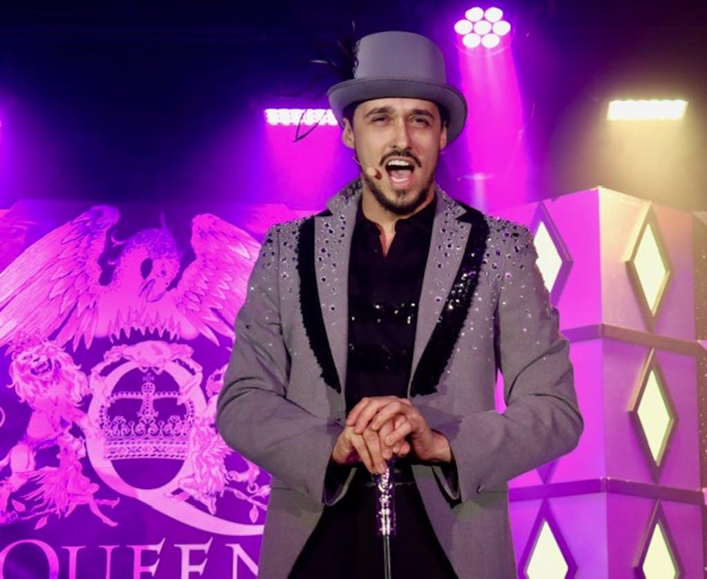 Luperci de Souza performs on Silversea cruise