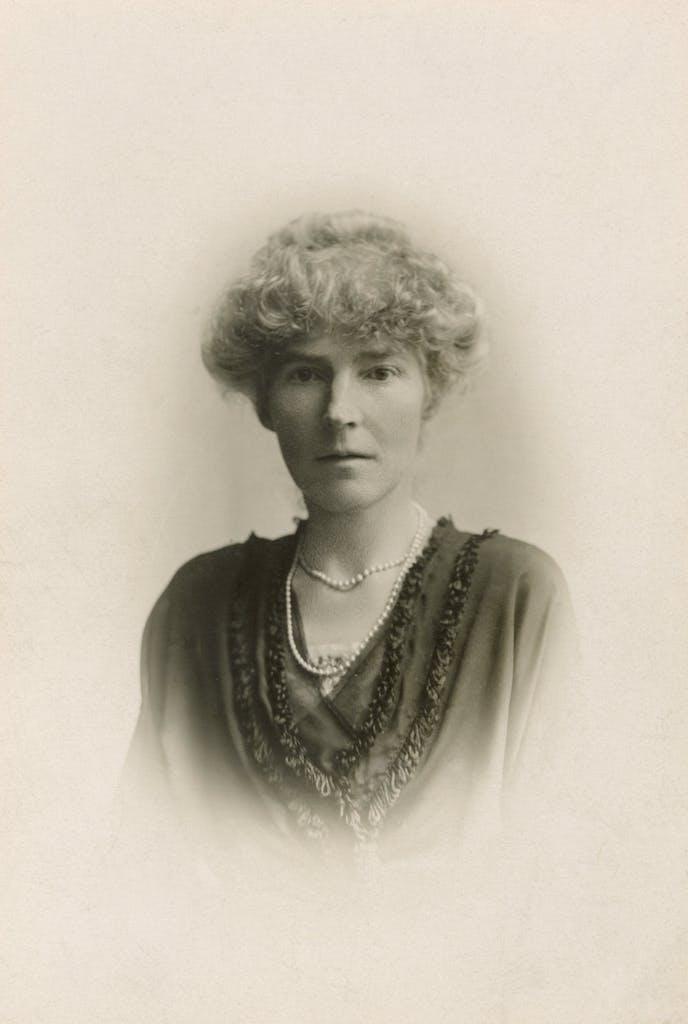 English traveler Gertrude Bell